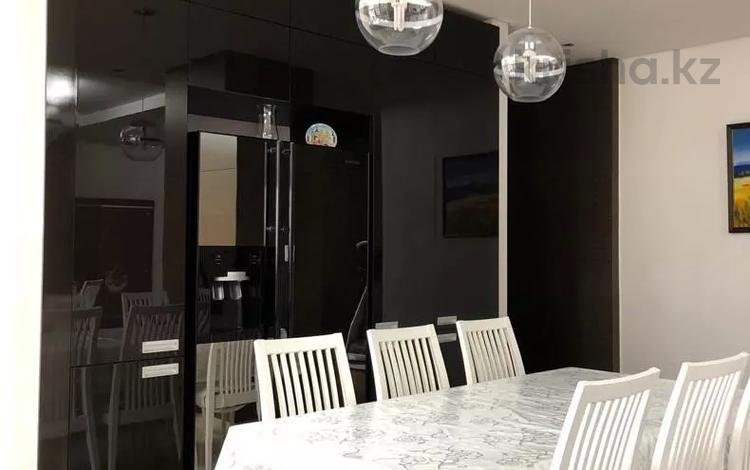 3-комнатная квартира, 110 м², 7/22 этаж помесячно, Ахмета Байтурсынова 5 за 300 000 〒 в Нур-Султане (Астана), Алматы р-н