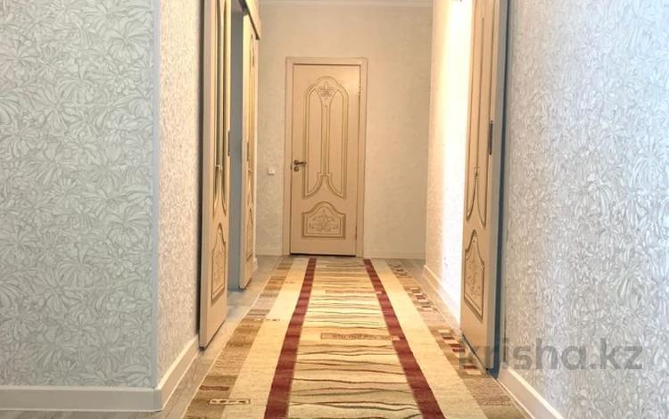 4-комнатная квартира, 118 м², 6/12 этаж, Чингиза Айтматова за 33.5 млн 〒 в Нур-Султане (Астана)