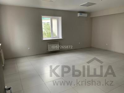 Здание, площадью 350 м², 12-й мкр 37А за 115 млн 〒 в Актобе, мкр 12 — фото 8