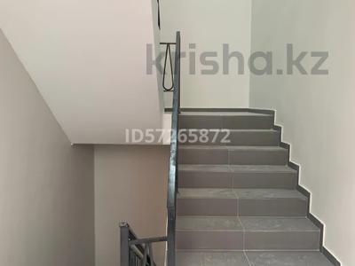 Здание, площадью 350 м², 12-й мкр 37А за 115 млн 〒 в Актобе, мкр 12 — фото 9