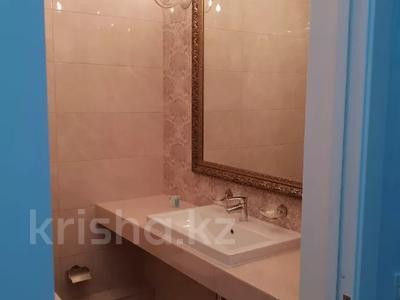 1-комнатная квартира, 40 м², 2/6 этаж посуточно, Бауыржан Момышулы 8 — Аль Фараби за 10 000 〒 в Шымкенте, Аль-Фарабийский р-н