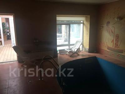 4-комнатная квартира, 263 м², 2/2 этаж, Ружейникова 15 — Ауэзова за 92 млн 〒 в Петропавловске — фото 10