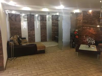 4-комнатная квартира, 263 м², 2/2 этаж, Ружейникова 15 — Ауэзова за 92 млн 〒 в Петропавловске — фото 13