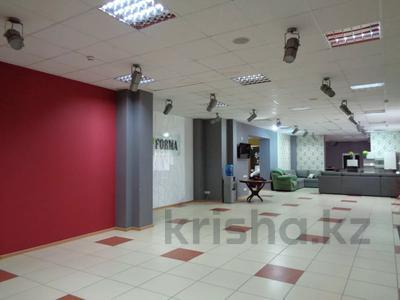 Магазин площадью 382 м², Молдагуловой 36 — Санкибай батыра за 121 млн 〒 в Актобе, Новый город