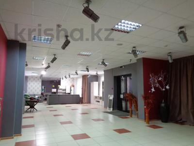 Магазин площадью 382 м², Молдагуловой 36 — Санкибай батыра за 121 млн 〒 в Актобе, Новый город — фото 7