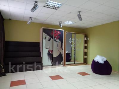 Магазин площадью 382 м², Молдагуловой 36 — Санкибай батыра за 121 млн 〒 в Актобе, Новый город — фото 13