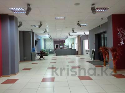 Магазин площадью 382 м², Молдагуловой 36 — Санкибай батыра за 121 млн 〒 в Актобе, Новый город — фото 14