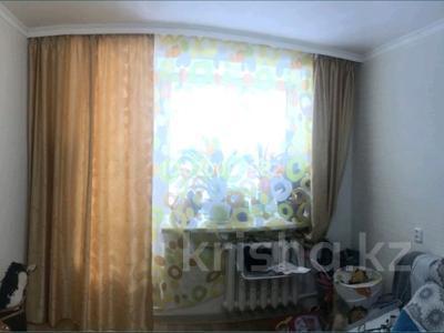 2-комнатная квартира, 45 м², 2/5 этаж, 8 марта 129 за 11 млн 〒 в Уральске