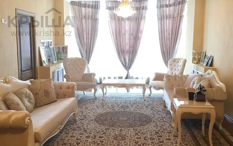 8-комнатный дом, 432 м², 6.6 сот., Ескараева 9 — Рыскулова за 90 млн 〒 в