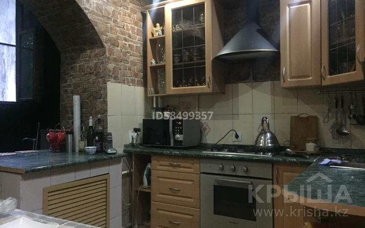 3-комнатная квартира, 85 м², 2/5 этаж, мкр Кулагер, Серикова 33 за 25.5 млн 〒 в Алматы, Жетысуский р-н