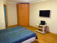 1-комнатная квартира, 30 м², 2 этаж посуточно, Бухар жырау 48 за 5 000 〒 в Караганде, Казыбек би р-н