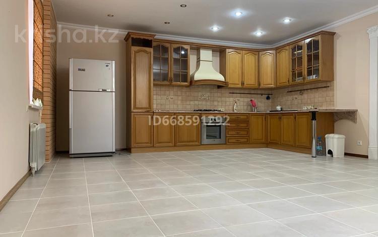 4-комнатный дом, 196 м², 3 сот., пгт Балыкши, С.Курсай 22 за 35 млн 〒 в Атырау, пгт Балыкши