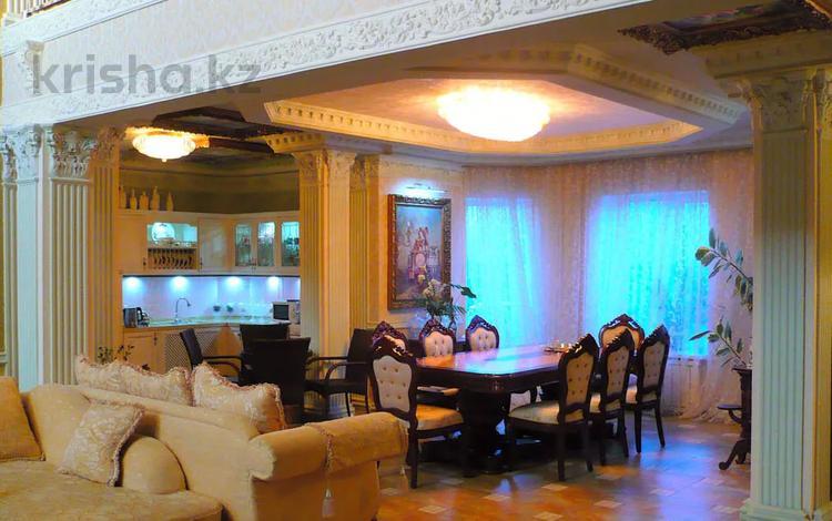 8-комнатный дом, 352 м², 6 сот., Атбасарская за 80 млн 〒 в Нур-Султане (Астана), Сарыарка р-н