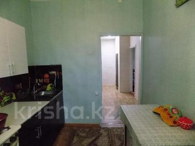 2-комнатная квартира, 54 м², 2/2 этаж, 2-я вокзальная за ~ 6.2 млн 〒 в Барнауле — фото 6