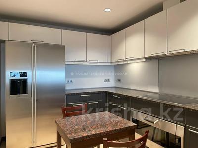 3-комнатная квартира, 130 м², 7/22 этаж помесячно, Аль-Фараби 77/3 за 900 000 〒 в Алматы, Бостандыкский р-н