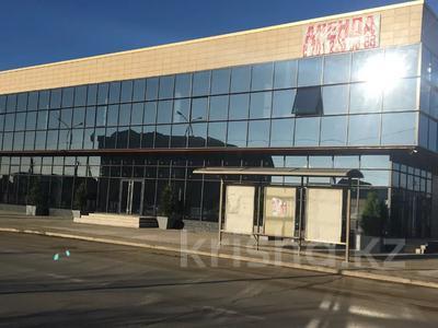 Здание, мкр Водников-2, Бейбарыса 244 площадью 1100 м² за 4 000 〒 в Атырау, мкр Водников-2 — фото 4