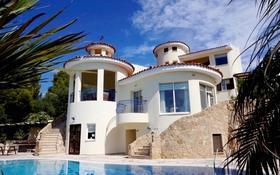 8-комнатный дом, 340 м², 20 сот., Камарес Вилледж, Пафос за 720 млн 〒