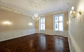 5-комнатная квартира, 165 м², Opernring 2 за 602 млн 〒 в Вене