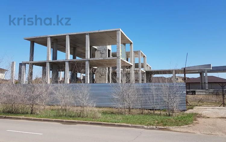 8-комнатный дом, 1368 м², 22 сот., Панфилова за 173 млн 〒 в Нур-Султане (Астана), Алматы р-н