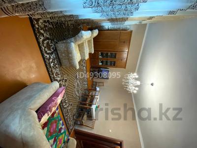2-комнатная квартира, 60.3 м², 2/3 этаж, Абай за 6 млн 〒 — фото 10