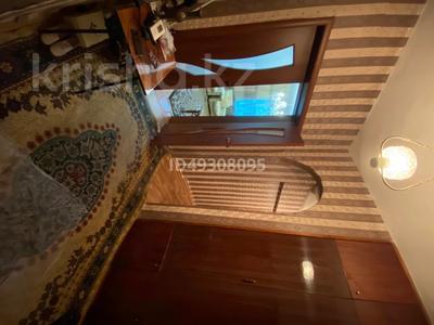 2-комнатная квартира, 60.3 м², 2/3 этаж, Абай за 6 млн 〒 — фото 12
