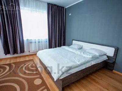 2-комнатная квартира, 65 м², 10/15 этаж посуточно, Сауран 3/1 — Достык за 11 000 〒 в Нур-Султане (Астана), Есильский р-н
