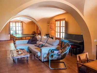 9-комнатный дом, 404 м², 200 сот., Баньолес за 357 млн 〒 — фото 14