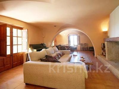 9-комнатный дом, 404 м², 200 сот., Баньолес за 357 млн 〒 — фото 17