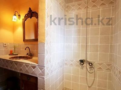 9-комнатный дом, 404 м², 200 сот., Баньолес за 357 млн 〒 — фото 26