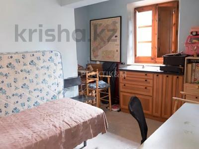 9-комнатный дом, 404 м², 200 сот., Баньолес за 357 млн 〒 — фото 29