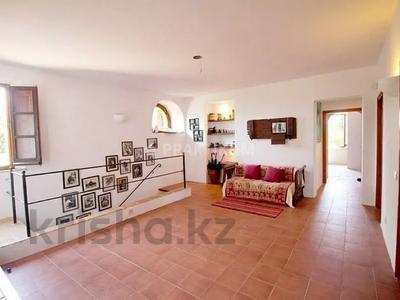9-комнатный дом, 404 м², 200 сот., Баньолес за 357 млн 〒 — фото 37