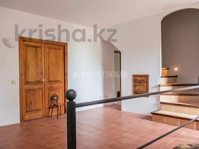 9-комнатный дом, 404 м², 200 сот., Баньолес за 357 млн 〒 — фото 64