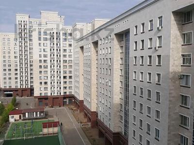 2-комнатная квартира, 66 м², Керей, Жәнібек хандар 28 — Мангилик ел за 28.7 млн 〒 в Нур-Султане (Астане), Есильский р-н