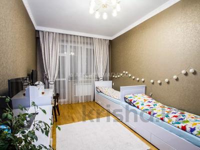 3-комнатная квартира, 110 м², 14/15 этаж, Навои 62 — Жандосова за 49 млн 〒 в Алматы, Бостандыкский р-н — фото 18