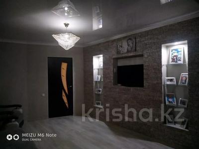 3-комнатная квартира, 62 м², 1/5 этаж, Восток 3 9 за 12 млн 〒 в Караганде, Октябрьский р-н — фото 12