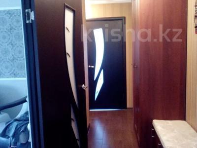3-комнатная квартира, 62 м², 1/5 этаж, Восток 3 9 за 12 млн 〒 в Караганде, Октябрьский р-н — фото 15