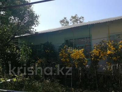 9-комнатный дом, 120 м², 12 сот., Валиханова 83 за 26 млн 〒 в Таразе