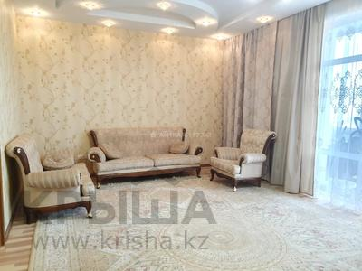 3-комнатная квартира, 130 м², 18/30 этаж, Габдуллина 17 за 38.9 млн 〒 в Нур-Султане (Астана), р-н Байконур
