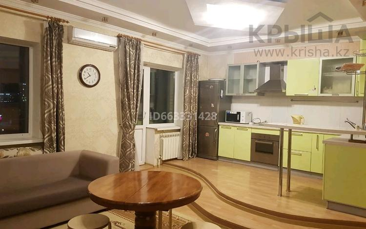 2-комнатная квартира, 60 м² посуточно, Туран 19/1 за 10 000 〒 в Нур-Султане (Астана), Есиль р-н