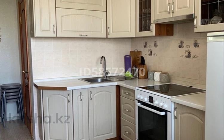 2-комнатная квартира, 57 м², 4/5 этаж, 9 микрорайон 3А за 11 млн 〒 в Темиртау
