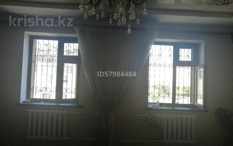 3-комнатная квартира, 90 м², 4/4 этаж, мкр Нурсат 17 18 — Назарбеков за 27 млн 〒 в Шымкенте, Каратауский р-н