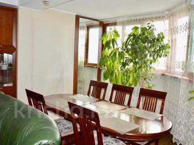 3-комнатная квартира, 90 м², 11/16 этаж посуточно, Байсетовой 49 — Сатпаева за 13 000 〒 в Алматы — фото 4