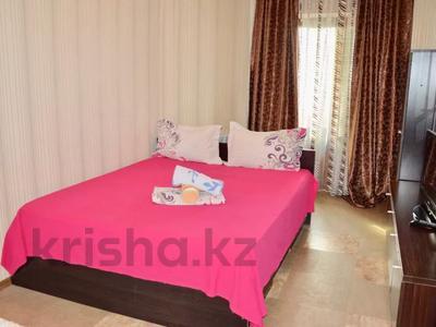 3-комнатная квартира, 90 м², 11/16 этаж посуточно, Байсетовой 49 — Сатпаева за 13 000 〒 в Алматы — фото 6