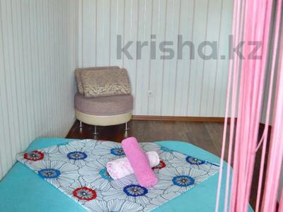 3-комнатная квартира, 90 м², 11/16 этаж посуточно, Байсетовой 49 — Сатпаева за 13 000 〒 в Алматы — фото 10