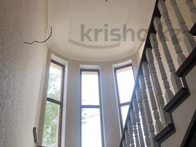 6-комнатный дом, 220 м², 8 сот., Самал-1 за 75 млн 〒 в Шымкенте, Абайский р-н — фото 5