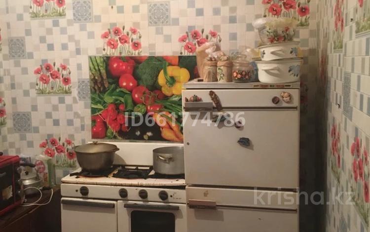 2-комнатная квартира, 38 м², 2/5 этаж, Алмазова 58 за 6 млн 〒 в Уральске