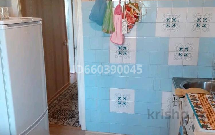 2-комнатная квартира, 48 м², 2/5 этаж, 12-й микрорайон, 12-й микрорайон 200 — Уалиханова за 14 млн 〒 в Шымкенте, Енбекшинский р-н