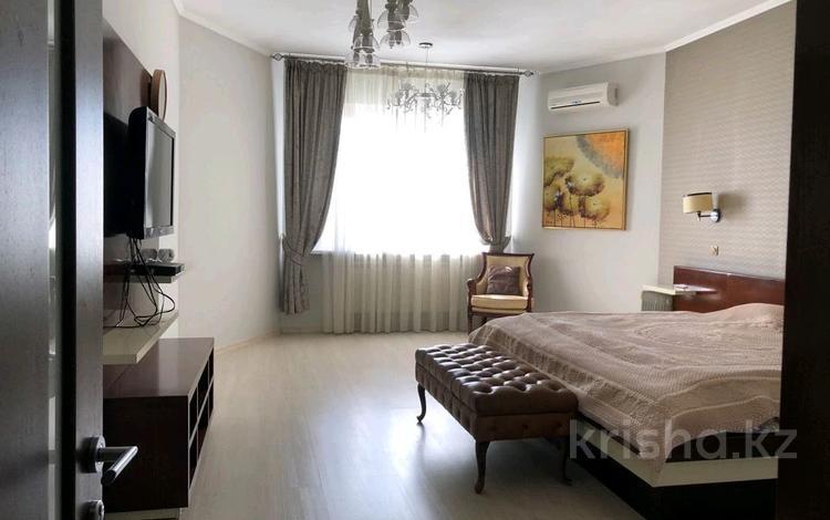 5-комнатная квартира, 440 м², 8/8 этаж, Кажымукана — Достык за 410 млн 〒 в Алматы, Медеуский р-н