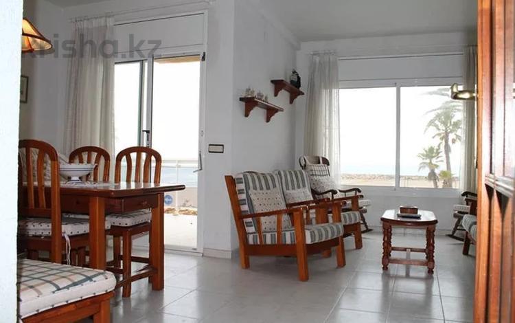 4-комнатная квартира, 86 м², 2/4 этаж, Passeig Marítim, Cunit 73 за ~ 81.5 млн 〒 в Таррагоне
