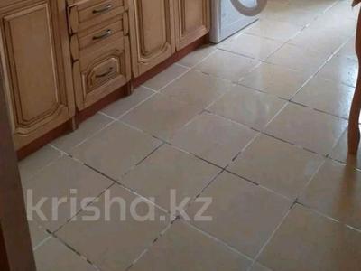 3-комнатная квартира, 76 м², 5/6 этаж помесячно, 33 мкр 30 за 90 000 〒 в Актау